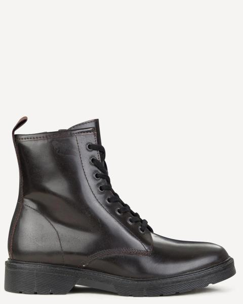 S G Shoes